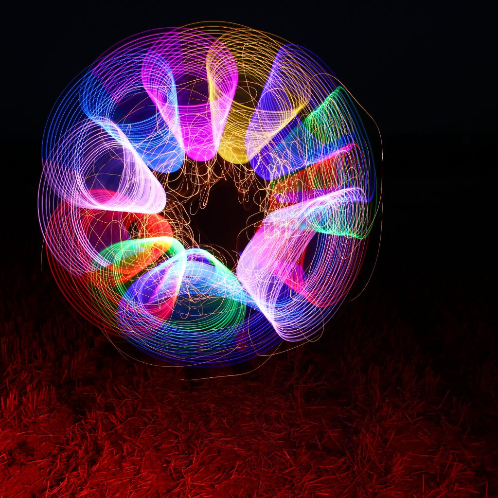 Rundstab Löcher - Lichterkette weiß